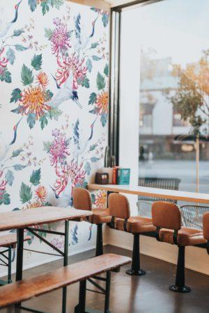 papier peint n°81 oiseaux dans un décor fleuri